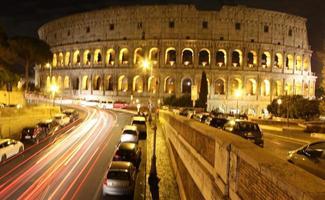 Kolosseum in der Nacht foto