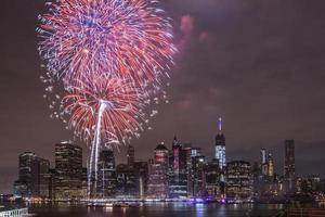 Unabhängigkeitstag mit Feuerwerk in New York City foto