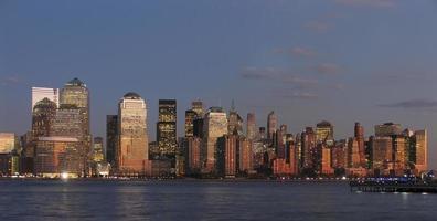 Innenstadt von Manhattan, Abenddämmerung foto