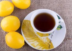 Zitrone und Tee foto