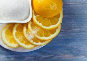 Zitrone mit Zucker foto