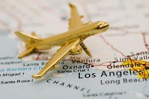 Miniaturflugzeug über Cali foto