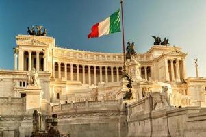 das vittoriano gebäude auf der piazza venezia, rom foto