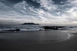 Tafelberg aus Melkbosstrand foto