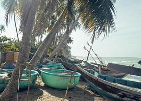 Viele Fischerboote an der Küste Sunrise Horisont Sea foto