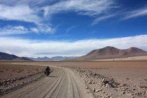Motorrad auf Offroad-Strecke
