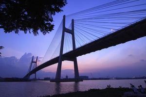 wundervoller Schuss von Phu meiner Brücke. foto