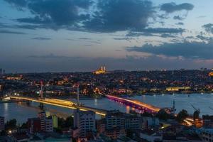 Istanbul in der Nacht foto