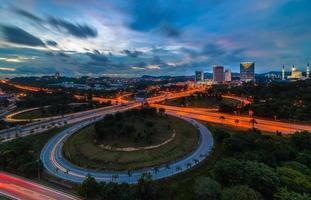 Shah Alam Highway in der Nacht foto