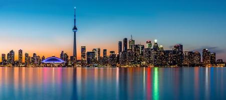 Toronto Panorama in der Abenddämmerung foto