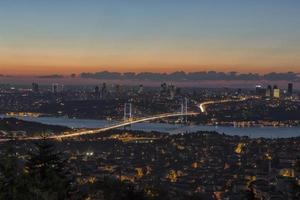 Bosporusbrücke (boğaziçi köprüsü) foto
