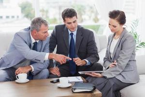 Arbeitsteam mit einem Treffen zusammen