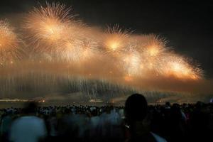 Neujahrsfeuerwerk bei Copacabana foto