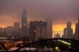Sonnenaufgang am Rio de Janeiro Stadtzentrum Avenue Presidente Vargas foto