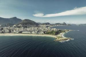 Arpoador-Halbinsel zwischen Ipanema und Copacabana-Strand foto