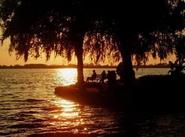 romantischer Sonnenuntergang foto
