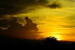magischer Sonnenuntergang foto