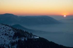 Sonnenuntergang auf Bergen