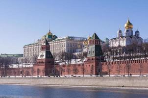Moskauer Kreml klarer Frühlingstag foto