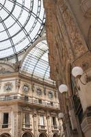 überdachte Galerie Boutiquen in Mailand foto