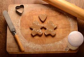 Lebkuchenmenschen und Liebesherz foto