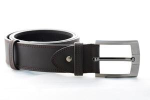 dunkelbrauner Herrengürtel aus Leder. foto