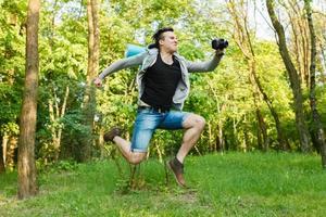 Kampagne, der Typ läuft Kamera. Fotografien