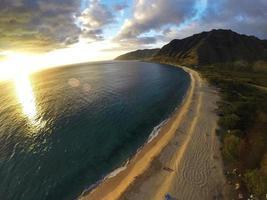 Strand bei Sonnenuntergang foto