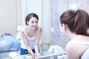 asiatische junge Frau foto