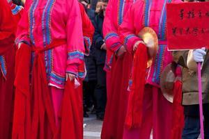 chinesische Neujahrsparade in Mailand foto