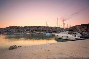 Motorboot in Mikrolimano Marina, Athen. foto