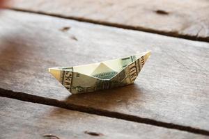 Schiff mit Geld foto