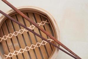 traditioneller Bambusdampfer