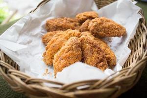 Hühnerflügel gebraten foto