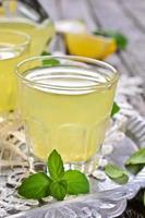 Getränk von Zitrone foto