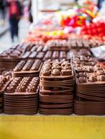 Werkzeuge zur Herstellung von Süßigkeiten Schokolade foto