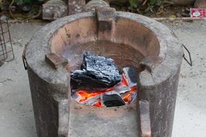 Kohlenbecken alter Ofen foto