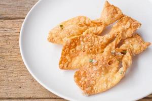 Gebratene knusprige Roti machen Fischform foto