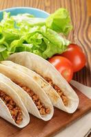 Tacos mit Rindfleisch und Chili foto
