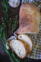frisch gebackenes Ciabatta-Brot foto
