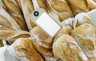 französisches Brot zu verkaufen foto