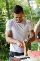 Leute auf dem Picknick foto