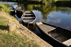 Boot auf einem Fluss foto