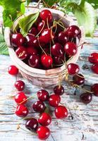 Früchte auf Holz foto