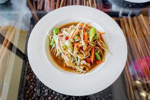 thailändischer Papayasalat, etwas Tum.