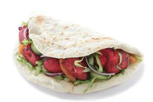 Huhn Tikka Tanndori Naan Sandwich