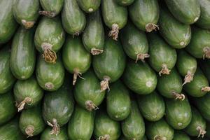 Gemüse und Obst im traditionellen türkischen Lebensmittelbasar. foto