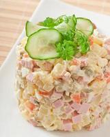 russischer salat - olivier foto