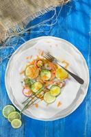 Radieschen-Gurken-Salat foto
