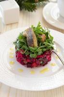 "russischer traditioneller salat ""vinaigrette"". foto"